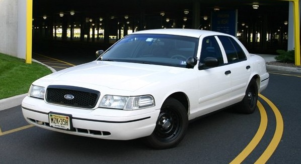 Blast from the past: Crown Victoria Police Interceptors & Drag Racing